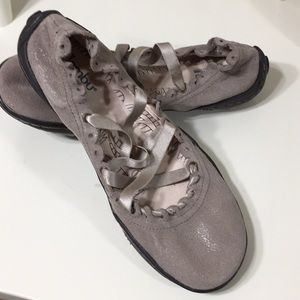 Jambu Gray Memory Foam Ballet Flats Kettle Too 7M
